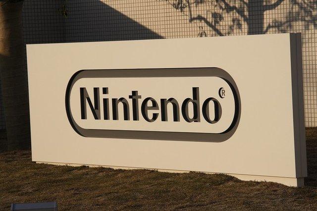 El nombre de la compañía cambia a Nintendo Co., Ltd. y se empiezan a fabricar juegos además de barajas de cartas.