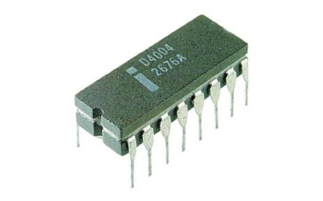 Intel Corporation presenta el primer microprocesador, el 4004