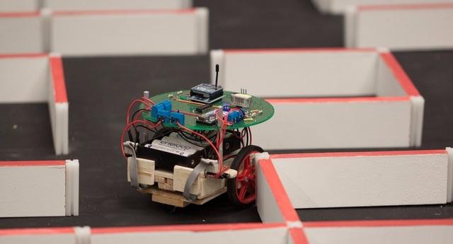 Aprendizaje de refuerzo para robots que utilizan redes neuronales
