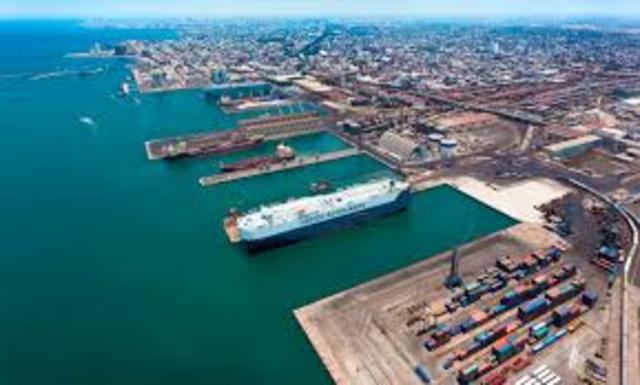 Se inició la edificación de las primeras instalaciones portuarias en  Veracruz