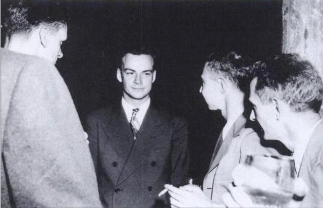 Richard Feynman y Julian Schwinger y el físico japonés Sin-Itiro Tomonaga