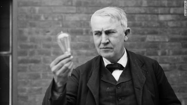 Thomas Alva Edison. Lámpara de filamento incandescente.