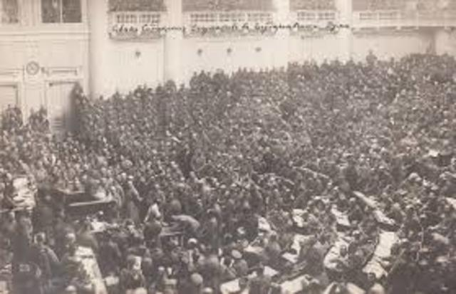 Insurrección Popular de Petrogrado.