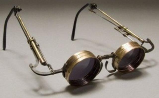 Invencion de anteojos e incremento de obras impresas