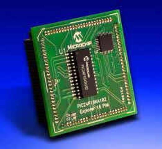 Los chips de silicio comienzan a estar disponibles para las memorias de los computadores.