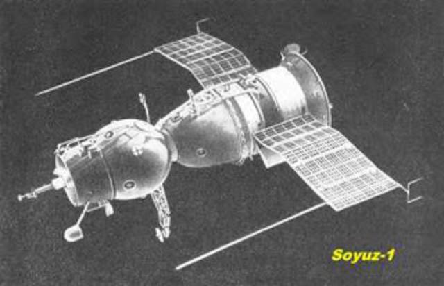 Se lanza la primera nave espacial orbital