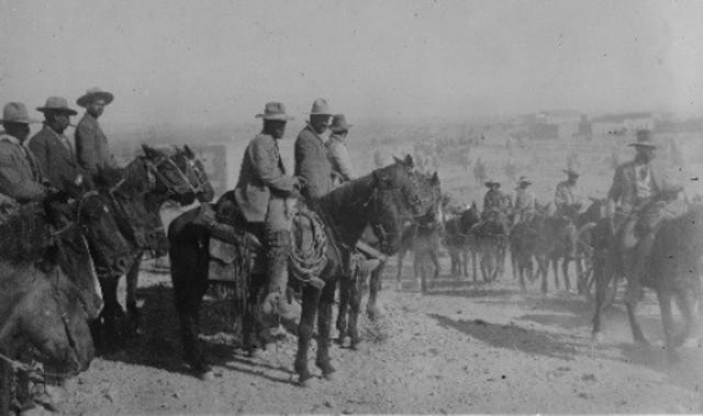 Toma de Torreón, acción que marca la serie de victorias con las que la División del Norte del Ejército Constitucionalista, encabezada por Pancho Villa, derrotará al gobierno de Huerta.
