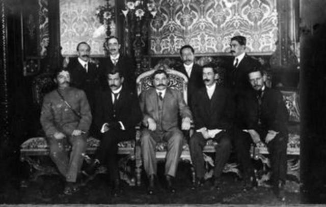 El gobierno de Eulalio Gutiérrez abandona la ciudad de México debido a la insubordinación de Villa y Zapata.