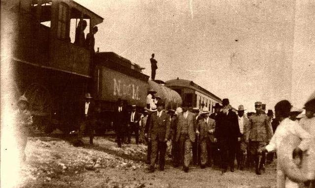 Ante el avance de las fuerzas obregonistas sobre la ciudad de México, el gobierno de la Convención se traslada a Cuernavaca.