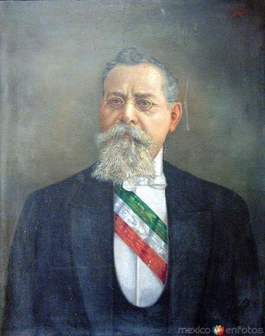 Venustiano Carranza asume la presidencia constitucional del país.
