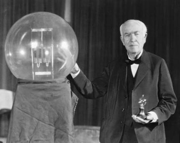 Invención de la lámpara incandescente por Thomas Alva Edison.