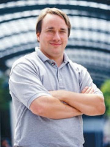 Linus Benedict Torvalds creador de LINUX