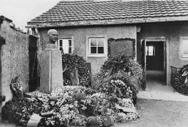 Bonhoeffer kommt in Haft