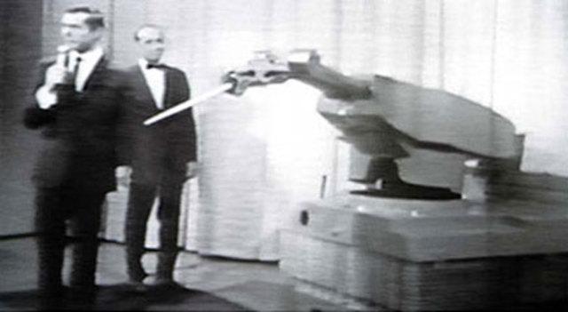 Primer robot programable