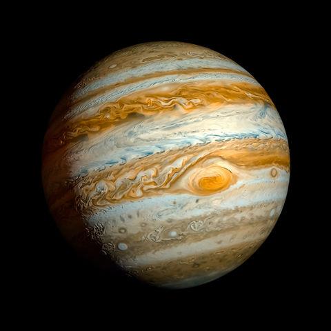 Galileo descubre las cuatro lunas mas brillantes de Jupiter, la Via Lactea, que la Luna no es una superficie esferica perfectamente lisa.