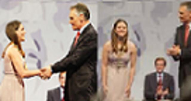 Condecorada com a  Ordem de Santiago de Espada pelo Presidente de Portugal (Cavaco Silva) por méritos excepcionais e extraordinários em ciência.