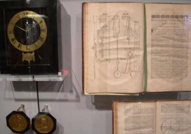 CHRISTIAAN HUYGENS (reloj de pendulo)