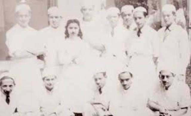 Se graduan las primeras enfermeras en mexico
