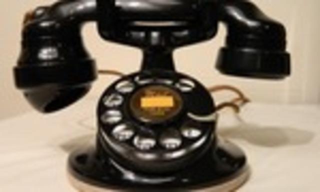 EL TELÉFONO- MICRÓFONO DE CARBÓN