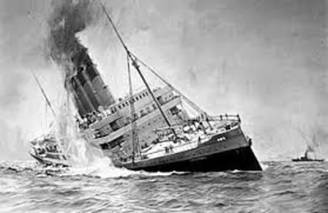 """El paquebote británico """"Lusitania"""" naufraga en la costa de Islandia torpedeado por un submarino alemán"""