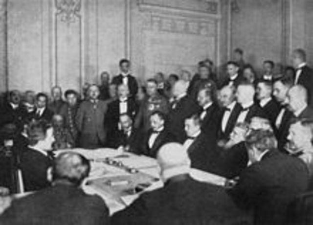 Declaración de catorce puntos del presidente estadounidense Wilson sobre el derecho de los pueblos a disponer de su destino