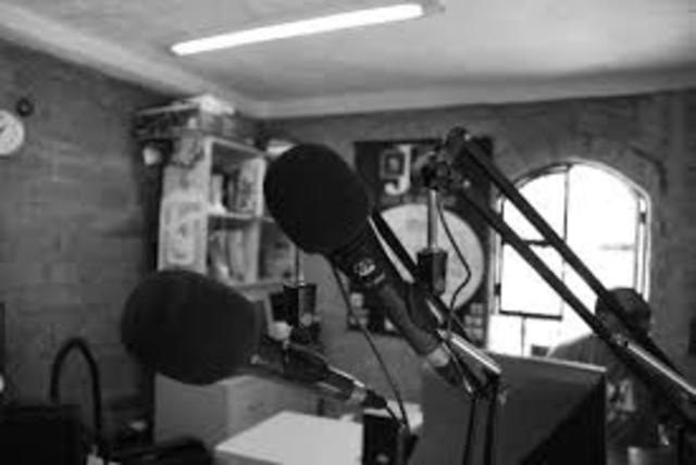 primer estación de FM