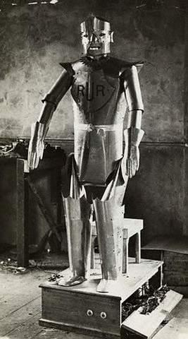 APARICIÓN DEL ROBOT