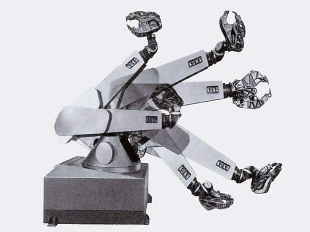 """""""FAMULUS"""" Primer robot de seis ejes"""