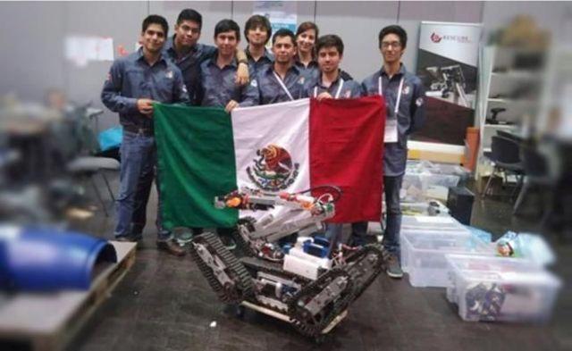 MEXICO ( Primer lugar ) EN ROBOCUP 2013