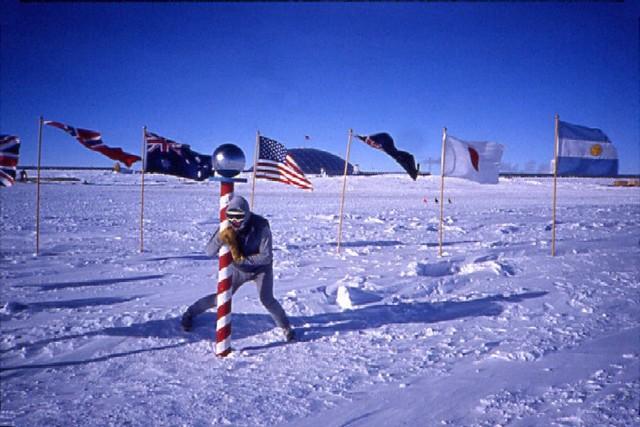 They finally reach the south pole.