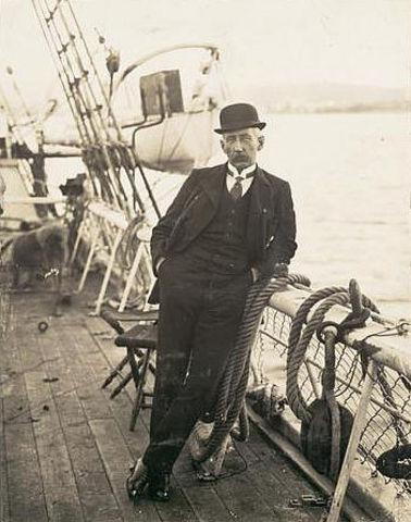 Amundsen landed in Antarctica