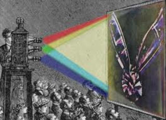 En 1861, el físico británico James Clerk Maxwell obtuvo la primera fotografía en color, con el procedimiento aditivo de color.
