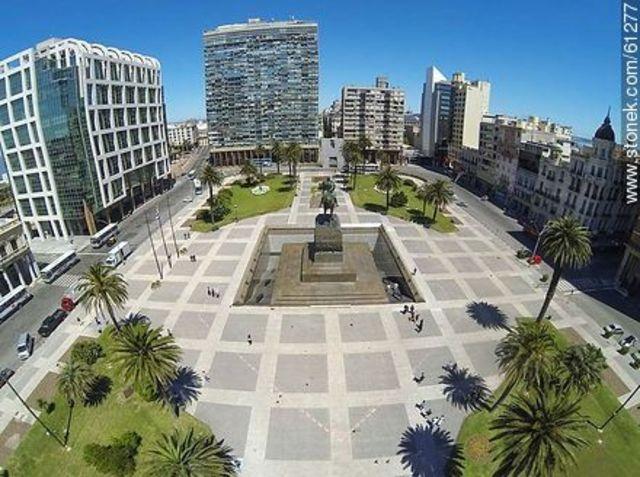 La plaza independencia*!