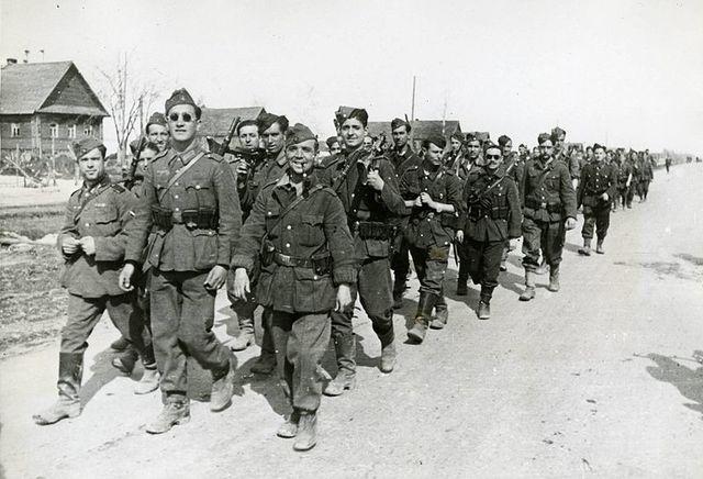 Salida de los primeros integrantes de la División Azul hacia Alemania.