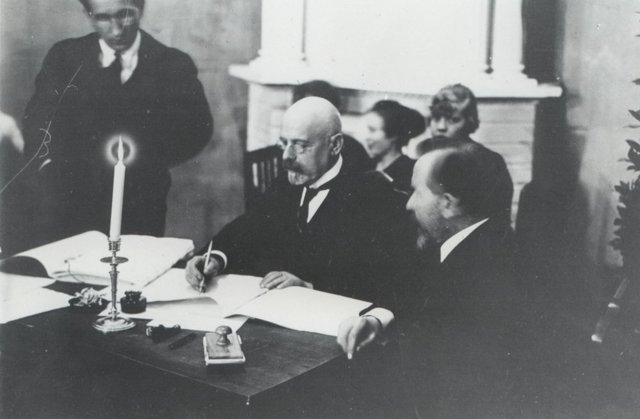 Sõlmiti Tartu Rahuleping