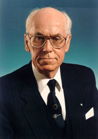 President Lennard Meri asus presidendiks
