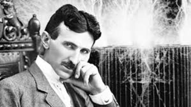 Tesla ingresó en la Continental Edison Company en Francia.