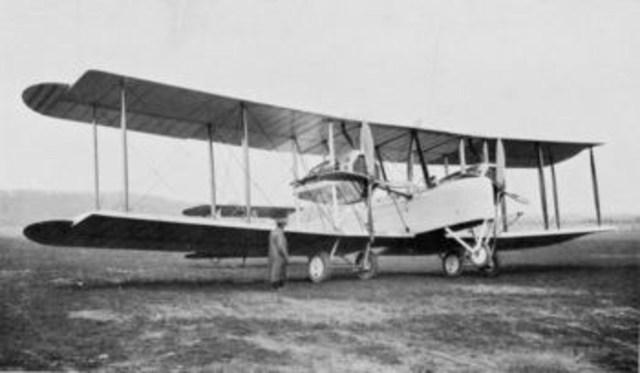 L'AVIÓ: 1903