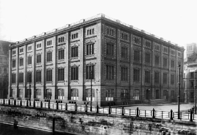 se inicio la existencia de la Academia de Berlin