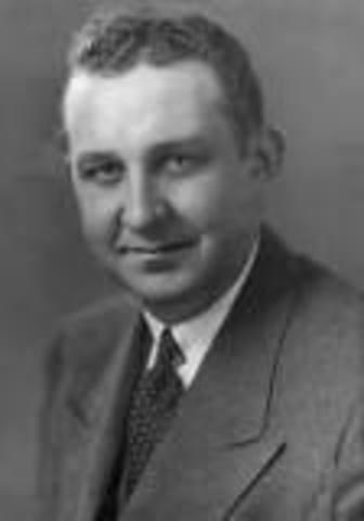 Aparece la ingeniería de sistemas.  Arthur David Hall