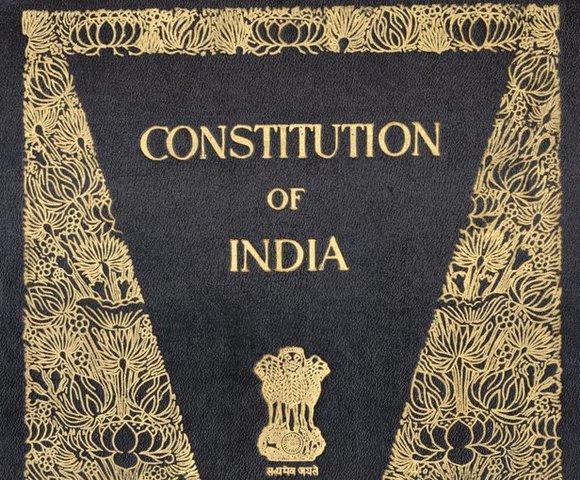 India y Pakistán obtienen la independencia, lo que da comienzo a la ola de descolonización después de la Segunda Guerra Mundial
