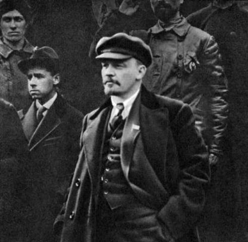 Vladímir Lenin es Detenido