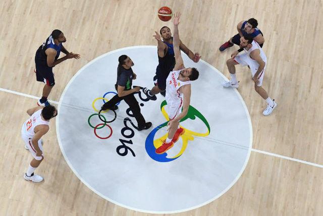 El baloncesto se incluye entre los deportes olímpicos.