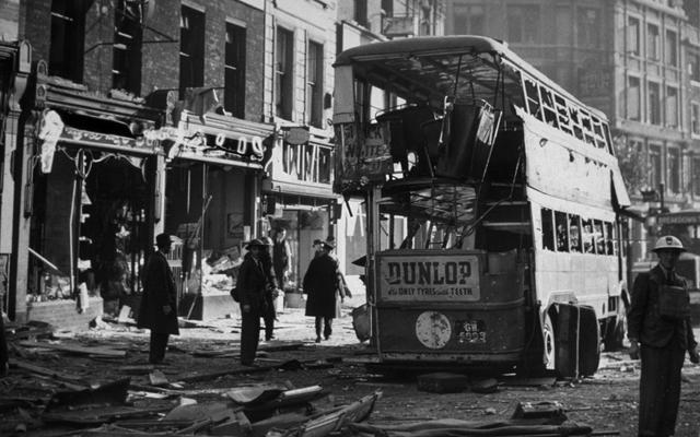 The Blitz (bombingen av britiske byer)