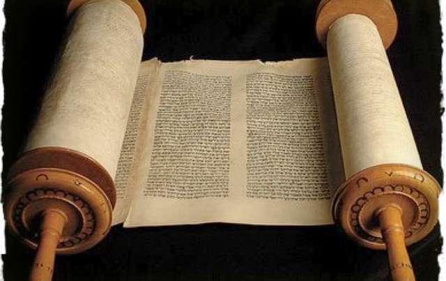 Consecutive interpreting of the Torah