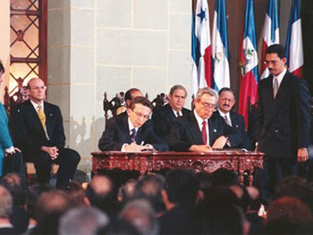 Apoyo a la Construcción del Proceso de Democratización y Establecimiento de la Paz en Guatemala 1996–2003