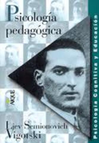 publica el libro psicologia pedagogica