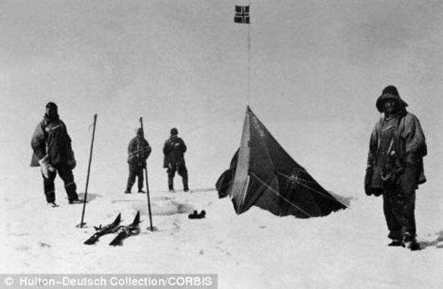 Amundsen reaches last depot