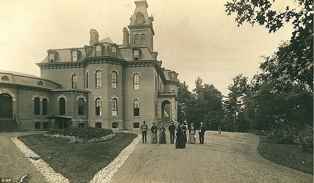 Opening of the New York State Lunatic Asylum for Insane Convicts