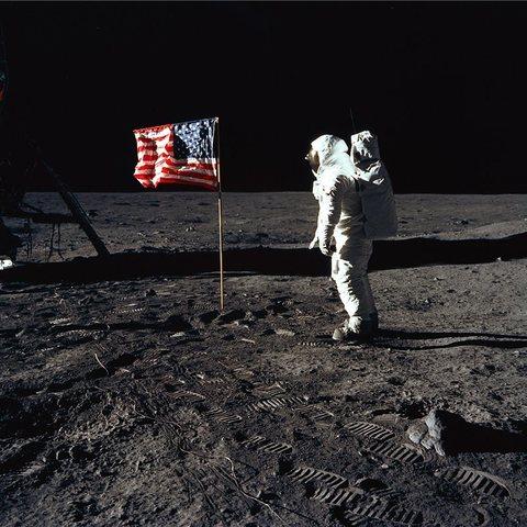 Los colombianos ven al hombre en la luna